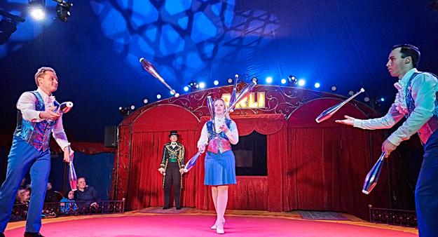 Circus news from Denmark 2000 9266960197b2