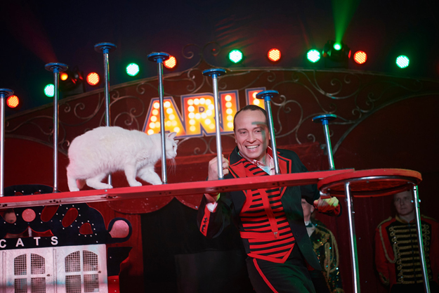 Circus news from Denmark 2000